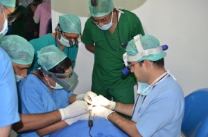 Dr. Suneet Soni teach about FUE